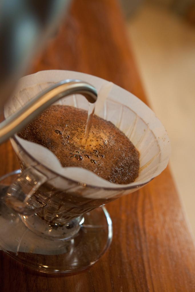 hario pour over bar single serve coffee Fratello Analog cafe